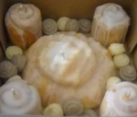 Cinnamon Bun Sampler Box made with all natural soy wax