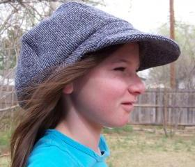Sz. 25' Newsboy Cap Hat in Recycled cotton knit - black white