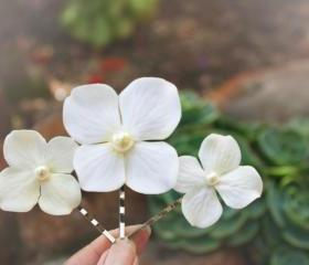 velvety ivory hydrangeas, hydrangeas hair clip, flower hair clip, bridesmaid hair clip