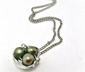 Bird nest neacklace- Freshwater Pearl Necklace- Bird Nest Jewelry-Summer Jewelry-Summer Necklace-Wire Wrapped Necklace-Pearl Necklace-Pearl Jewelry- Forest- Green Necklace-Pearl Jewelry-18 inch Necklace- Womens Gift- Bridesmaid Gift-Graduation Gift