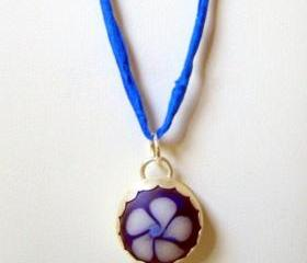Pendant - Blue Vinca Artisan Glass Flower