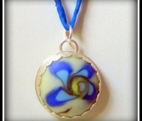 Pendant - Forget Me Not Artisan Glass Flower