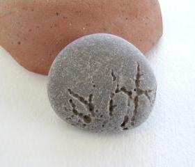 Beach rock jewelry. Stone pin brooch. Rock river sea pebble jewelry from Spain by Oceangifts