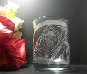 Engraved glass , reaper tumbler , hand engraved