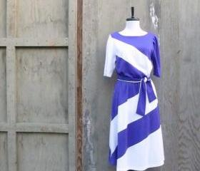1970s Purple and Cream Graphic Belted Dress