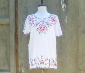 1970s White Blouse with Embroidered Flowers
