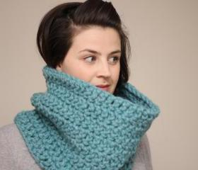Chunky Crochet Cowl Snood in Mint Green