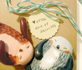 PAIR of &quot;otterly sweet&quot; otter brooch holding hands, Perfect Valentines / Anniversary gift