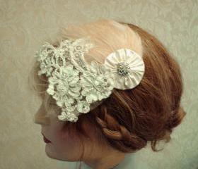 1920's Wedding Headpiece, Flapper Style, Feather Fascinator, Beaded Bridal Headband, Vintage Lace Headpiece, Petite Gold Shimmer Tulle Veil