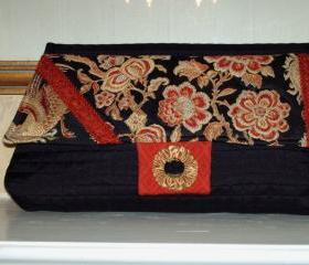 THE PAGODA CLUTCH / SMALL WORKS OF ART COLLECTION