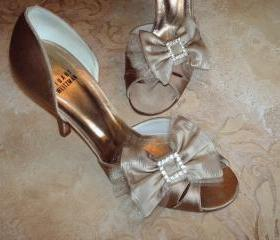 Double Bow Shoe Clips For Wedding Or Special Occassion / Rhinestone Buckle Golden Silk And Tulle