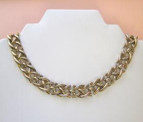Vintage Trifari Gold Tone Link Choker