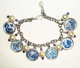 BLUE WILLOW Plate Charm Bracelet
