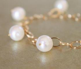 Large White Pearl Oval Gold Link Chain Bracelet