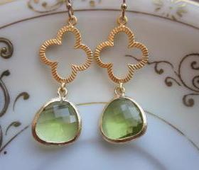 Peridot Earrings Green Gold Clover Connectors - Bridesmaid Earrings - Bridal Earrings - Wedding Earrings