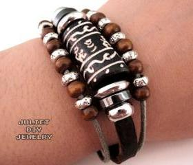 Wild life leather bracelet