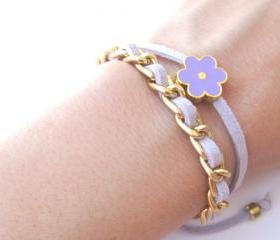 Gold chain double wrap daisy bracelet in lavender
