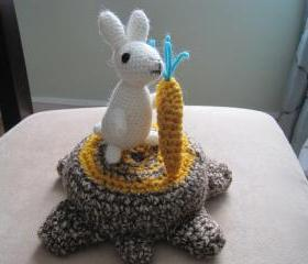 Crochet Rabbit with Carrot - white and gold - CR1
