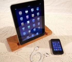 iPad - iPhone - iPod - Dock - Sync and Charging Station - Cherry - style V1 (Yes for the iPad )