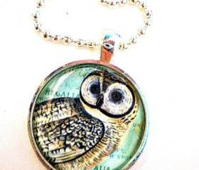 Owl ball chin necklace. snow owl, Harry Potter Owl. 1 inch silver Metal bezel pendant & glass dome. Metal, glass and Ball chain necklace.