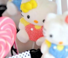 6 Hello Kitty Marshmallow lollipops