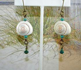 Light-weight Seashell Earrings