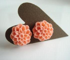 Dusty Pink Resin Flower Studs