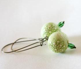 green flowers earrings - wedding bridesmaid - cream leaft green antique bronze
