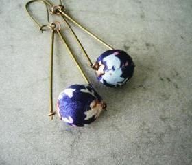 Blue flower earrings with brass and fabric, geometric triangle style