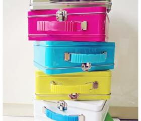 Suitcase tin can with handle 