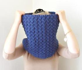 Crochet Winter Cowl Blue Chunky Yarn Infinity Scarf