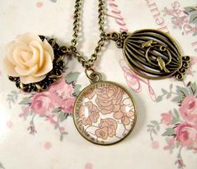 Vintage style peach rose necklace, romantic jewelry