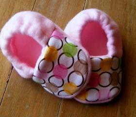 Circle Chain Fleece Baby Booties/ Pink- Green- Yellow- Brown- White
