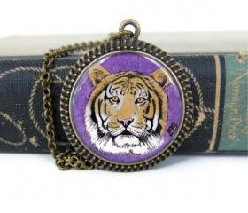 LSU Necklace, LSU Jewelry, Tiger Necklace, Tiger Jewelry, LSU Tigers, Resin Necklace, Resin Jewelry