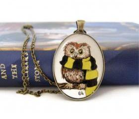 Owl Jewelry, Harry Potter Necklace, Art Necklace, Wearable Art, Hufflepuff Necklace, Hogwarts Owl, Hufflepuff House