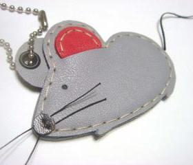 Wilson the Mouse leather charm ( Dark Grey )