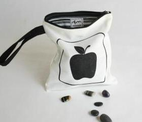 Wristlet purse screen printed with black apples
