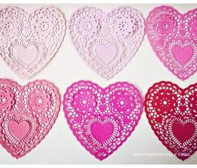 Heartshape Lace colored doilies 4'