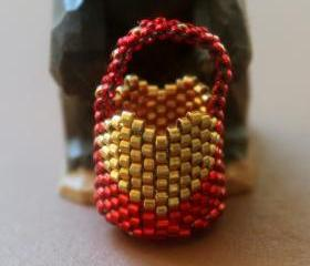 Miniature Basket Beaded Red with Gold Heart