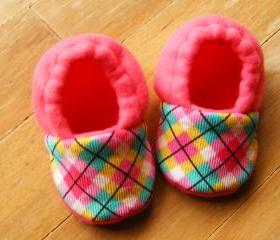 Toddler Size - Pink Argyle Fleece Baby Booties with Non-Slip Soles