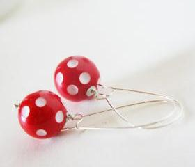 red polka dots earrings - white and red - xmas christmas inspiration