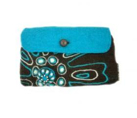 Retro flower clutch bag with brooch
