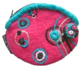 1980's inspired Retro pink felt purse with brooch