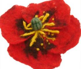 Felt Poppy brooch/ hair clip