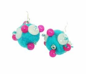 Felt earrings with gemstone beads