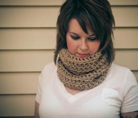 Chunky Textured Crochet Cowl