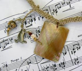 Square shell, and bird hemp necklace