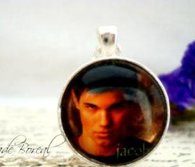 Twilight Jacob Glass pendant
