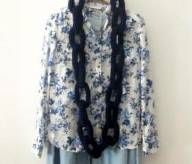 Big Alcatraz, crochet chain neckwarmer, necklace in navy blue.