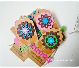 6 Felt flowers tags 